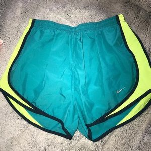 LIKE NEW! Tempo Running Shorts
